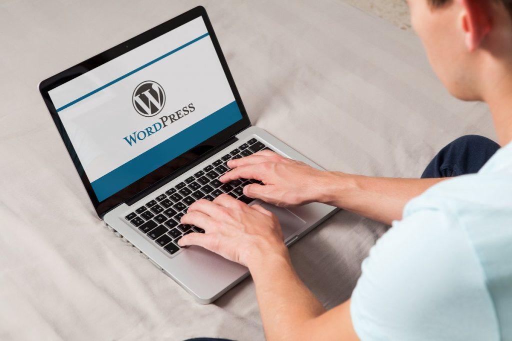 Exports to Facebook WordPress and Google Docs