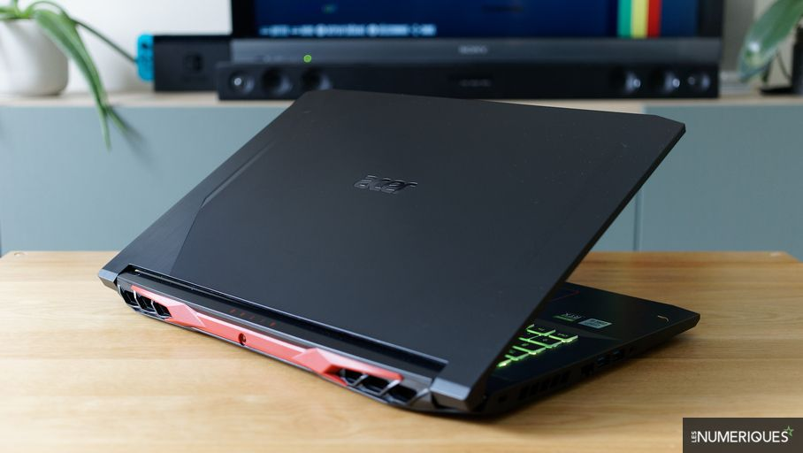 Acer Nitro 5 AN517-52 Laptop Review: Powerful and Greedy 17.6 Inch Gaming PC