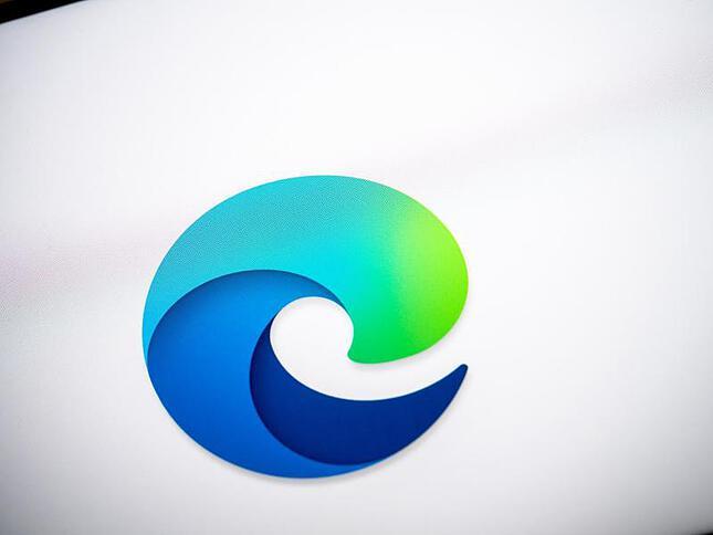 Microsoft Browser: Living on the Internet Explorer Edge