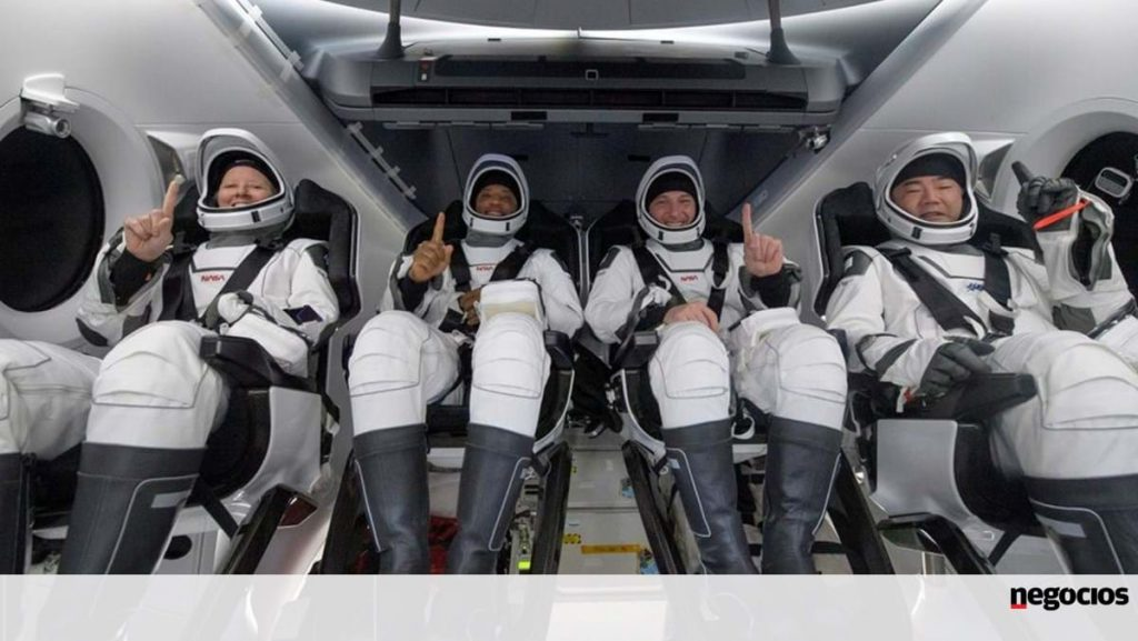 Four astronauts return from SpaceX capsule space station - World