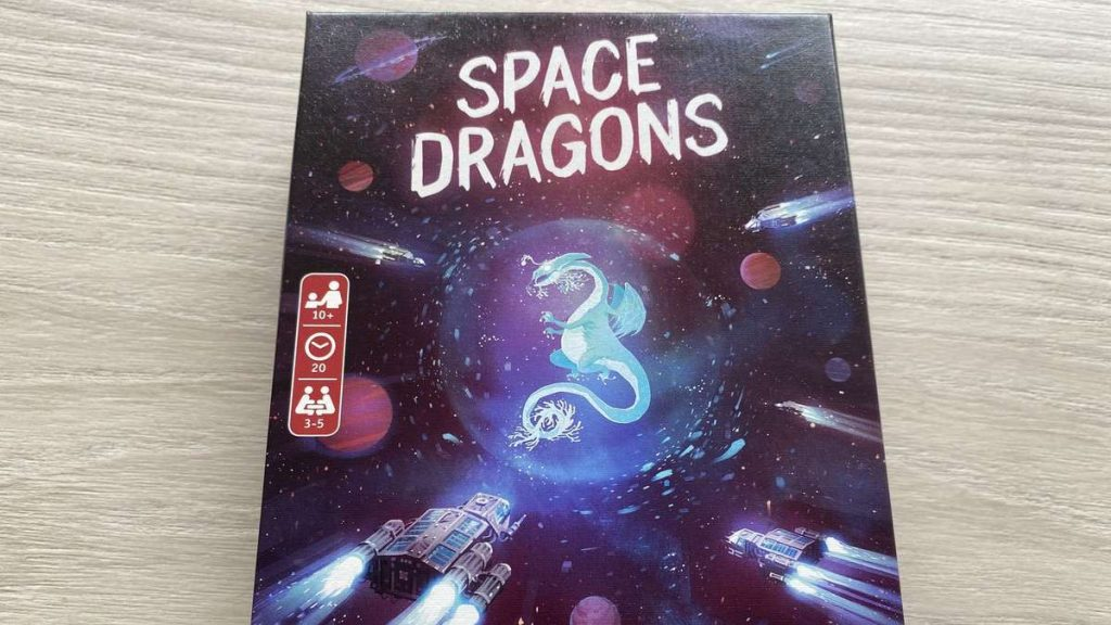 Space Dragons put to the test: a space battle as a card game