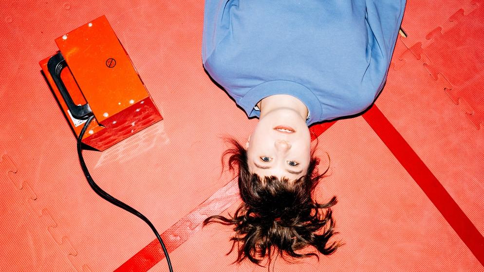 'No Dates': Fritzy Ernst debut album: Too Simple |  music |  BR KulturBühne