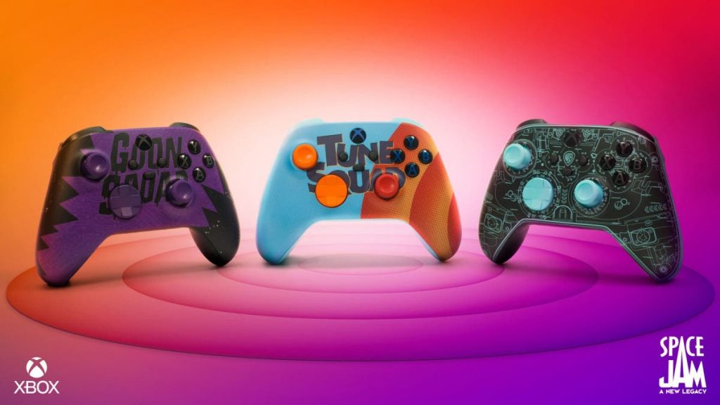Xbox Xbox Game Boss Space Jam and 3 Custom Controllers    Xbox One