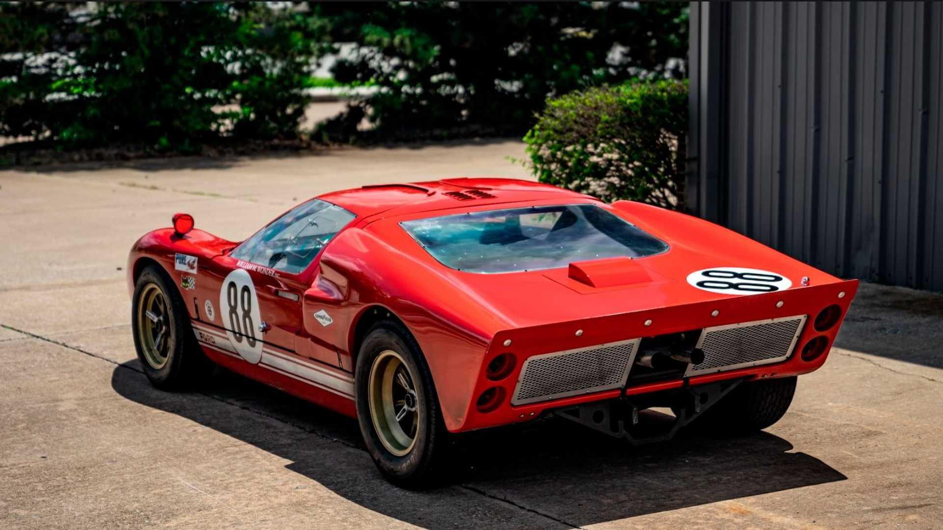RCR Ford GT40 copy