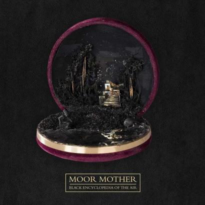 """Bild des Albumcovers von """"Black Encyclopedia Of The Air"""" von Moor Mother."""