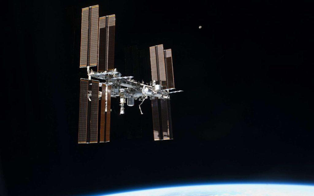 La Station spatiale internationale photographiée en juillet 2011 depuis la navette spatiale lors de sa dernière mission (STS-135). © Nasa